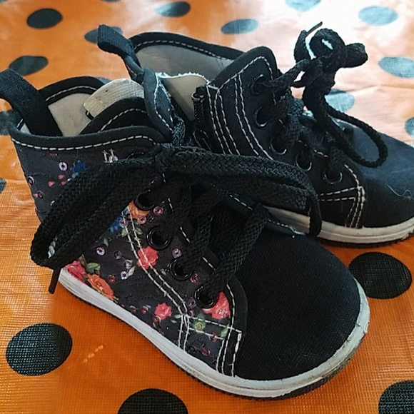 papos Other - Girly High tops